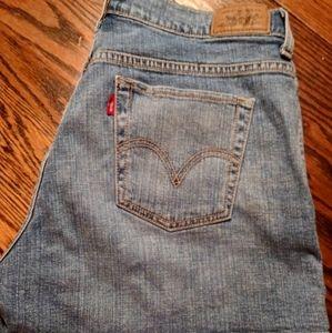 NWOT Levi's 515 Shorts